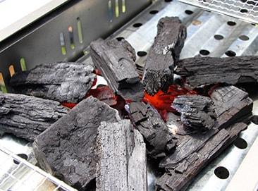 炭の起こし方 初心者でも簡単に着火できるコツ | となりのカインズさん